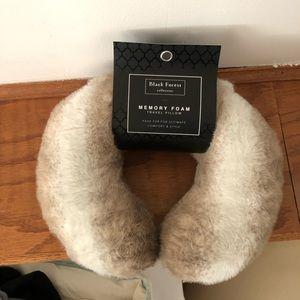 Fur neck pillow